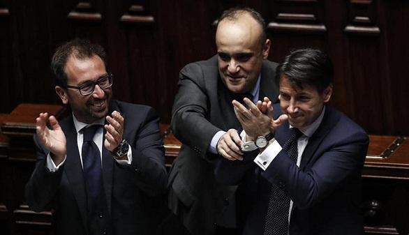 El polémico Gobierno de Conte es investido en el Parlamento