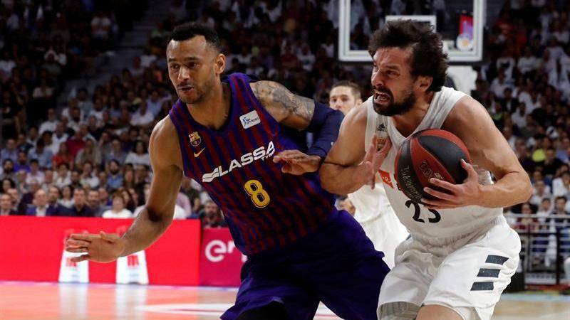 ACB Finales. Un Real Madrid épico escapa del Barcelona y se distancia