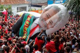 Lula se proclama 'libre' y Bolsonaro le llama 'criminal'