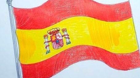 Denunciada por agredir a una alumna que dibujó una bandera de España