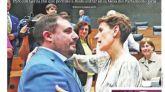 El País sigue criticando a Vox mientras Sánchez pacta con Otegi