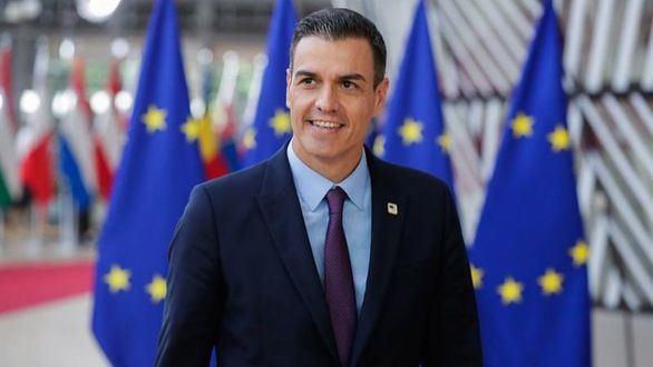 Sánchez pide a PP y Cs que tengan