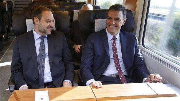 Llega el primer AVE a Granada, con Sánchez a bordo