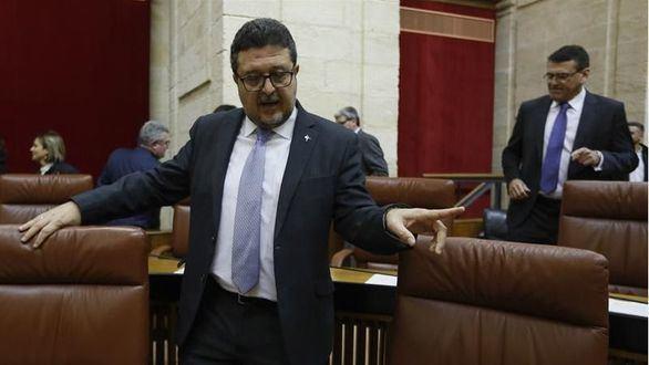 Vox amenaza con tomar medidas contra su líder andaluz