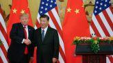 El presidente de EEUU, Donald Trump, estrecha la mano del presidente de China, Xi Jinping.