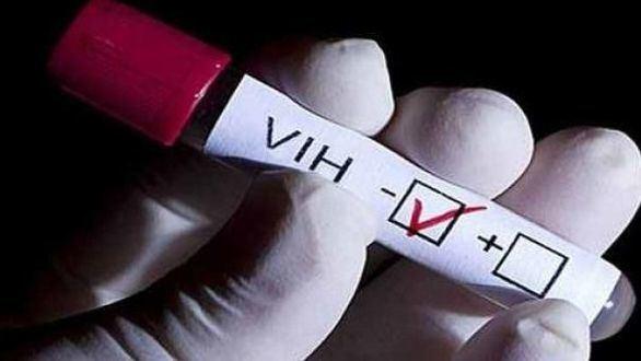 Desarrollan un tratamiento con antirretrovirales y CRISPR que elimina el VIH
