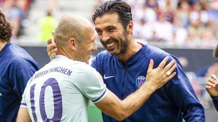Cerezo se harta de Griezmann, Buffon vuelve a la Juventus y Robben se retira