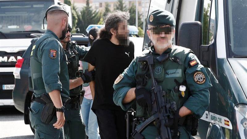 Vea cómo la Guardia Civil detiene al peligroso yihadista de Pamplona