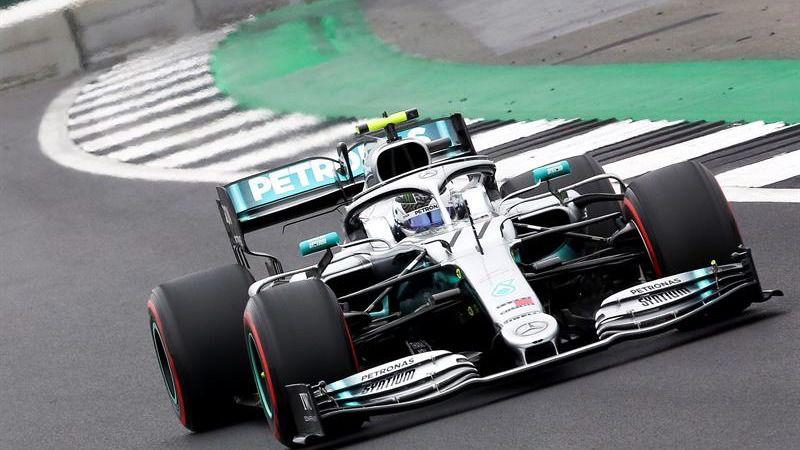 GP Gran Bretaña. Bottas le gana a Lewis Hamilton la 'pole'