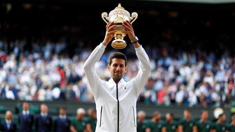 Wimbledon. Djokovic se proclama leyenda de la hierba ante Federer