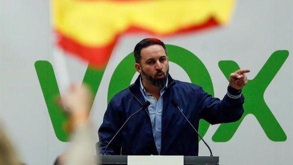El presidente de Vox, Santiago Abascal, durante un acto electoral de esta formación en el Kursaal de San Sebastián.