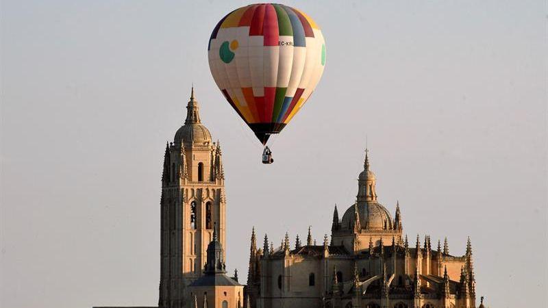 Los globos pintan los cielos de Segovia en la segunda edición del Festival Accesible