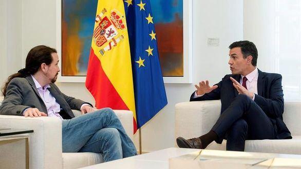 El presidente del Gobierno en funciones, Pedro Sánchez, se reúne con el líder de Podemos Pablo Iglesias, en el Palacio de la Moncloa.