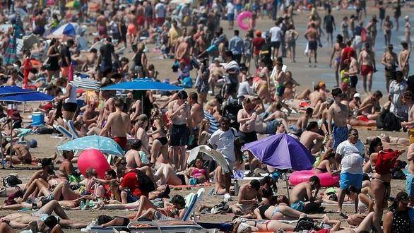 Franceses y alemanes compensan la bajada de turistas británicos