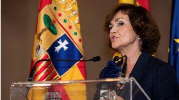 Carmen Calvo insiste en culpar a Cs y PP por su abstención