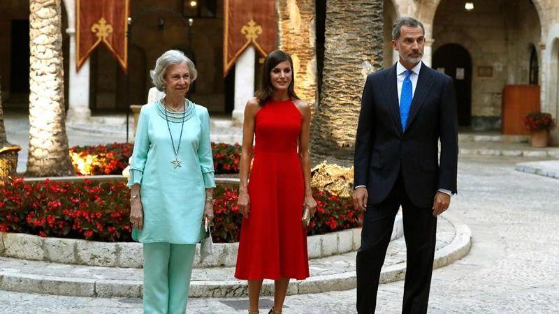 La recepción de los Reyes en la Almudaina bate récords con 600 invitados