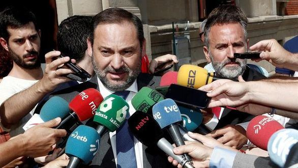 Ábalos insiste en el argumentario de Sánchez: culpa a Podemos, PP y Cs del bloqueo político