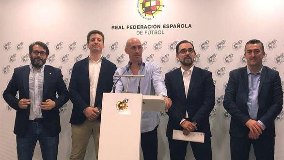El presidente de la RFEF,  Luis Rubiales, comparece ante los medios este viernes.