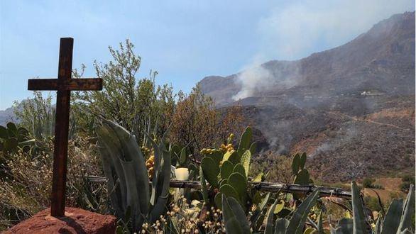 Incendio de Gran Canaria: contenido, sin llamas ni humo pero pendiente del viento