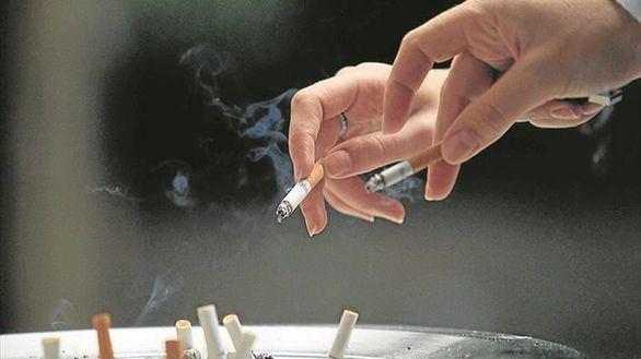 Sanidad propone endurecer las leyes que regulan el consumo de tabaco y alcohol