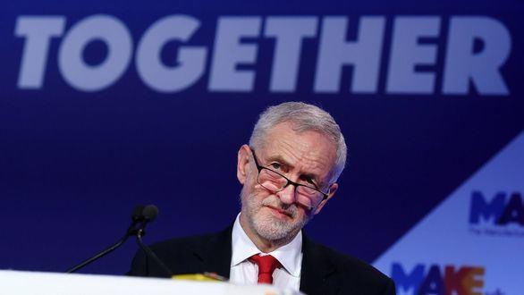 Corbyn prepara un golpe a Boris Johnson y al 'brexit' sin acuerdo
