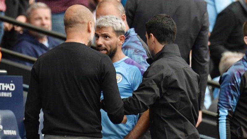 Guardiola y Agüero discuten con dureza en pleno partido del City