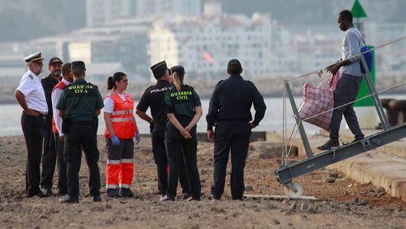 Los 15 inmigrantes del Open Arms pedirán asilo en España