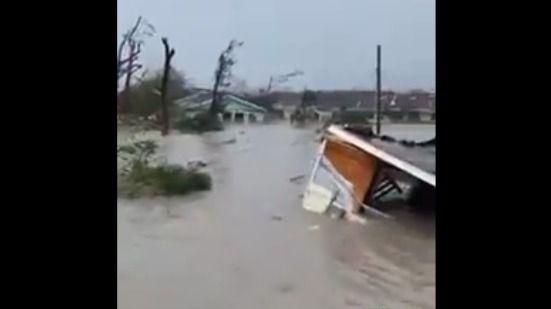 Vídeo | Los efectos del huracán Dorian tras sacudir las Bahamas