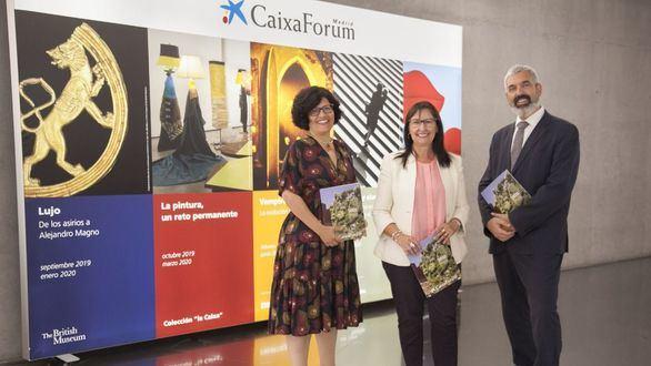 CaixaForum Madrid presenta su temporada más transversal con lujo, vampiros, surrealismo, fotografía y arte contemporáneo