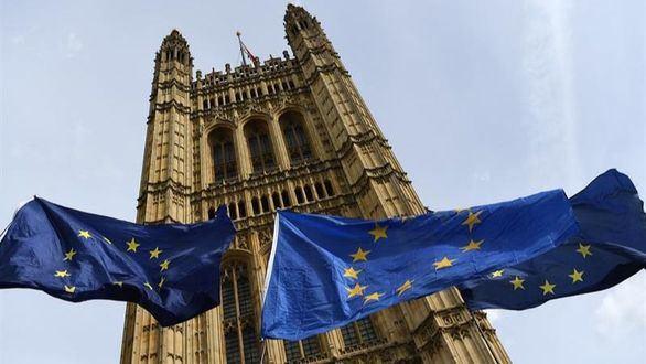 La Cámara de los Lores ratifica la ley contra el brexit duro
