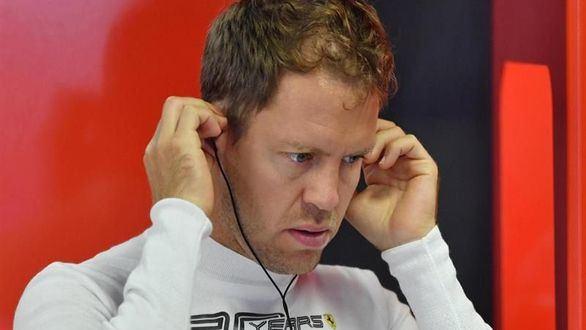 Sebastian Vettel estalla contra Ferrari por el éxito de Charles Leclerc