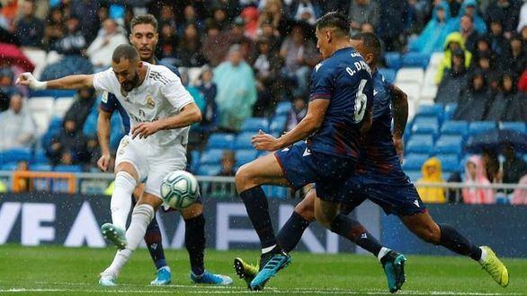 El Real Madrid enamora un rato pero sufre para ganar al Levante | 3-2