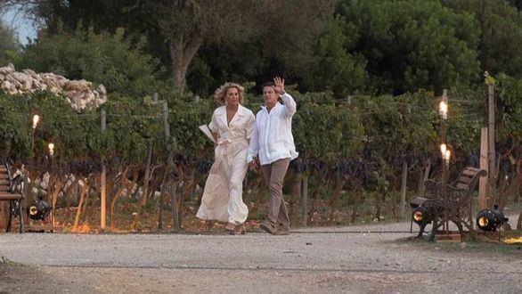 Manuel Valls se casa con Susana Gallardo, heredera de los laboratorios Almirall