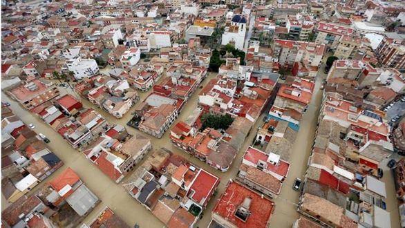 Seis muertos, miles de evacuados y pueblos aislados por la gota fría