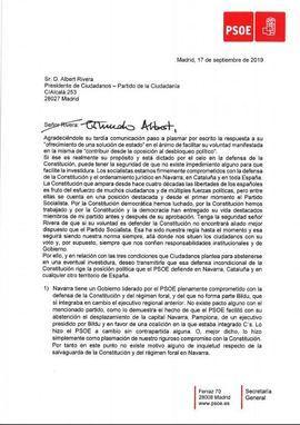 Sánchez garantiza por carta a Rivera su 'compromiso' constitucional