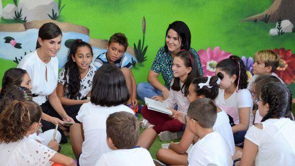 La Reina abre el curso escolar en Torrejoncillo, un pueblo de Cáceres de menos de 3.000 vecinos