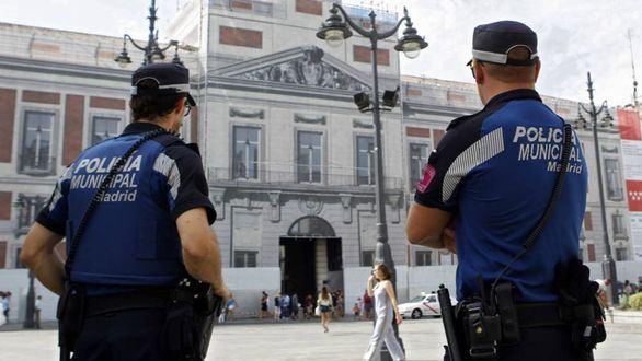 Almeida equipará a la Policía Municipal con pistolas táser