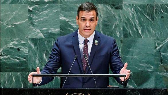 Sánchez alardea en la ONU de la exhumación de Franco