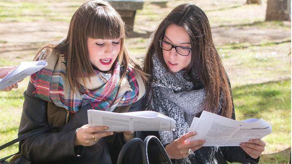 Banco Santander concederá 20.000 becas para estudiantes universitarios