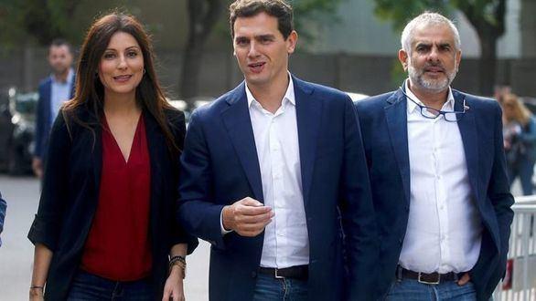 Rivera pide reunirse con Sánchez para abordar la moción contra Torra