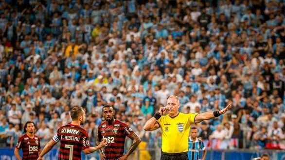 Copa Libertadores. El VAR evita la goleada del Flamengo y Gremio sobrevive | 1-1