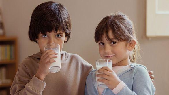Campaña de recogida de leche Ningún niño sin bigote
