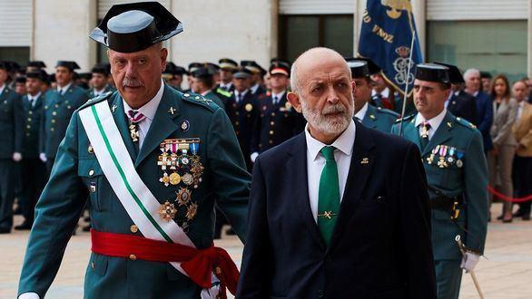 El director general de la Guardia Civil, Félix Vicente Azón, y el jefe de la Benemérita en Cataluña, Pedro Garrido, este miércoles.