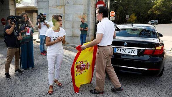 Último día en el Valle: insultos contra Sánchez y vítores al