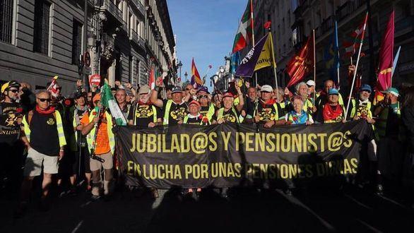 Miles de jubilados toman Madrid para reclamar pensiones dignas