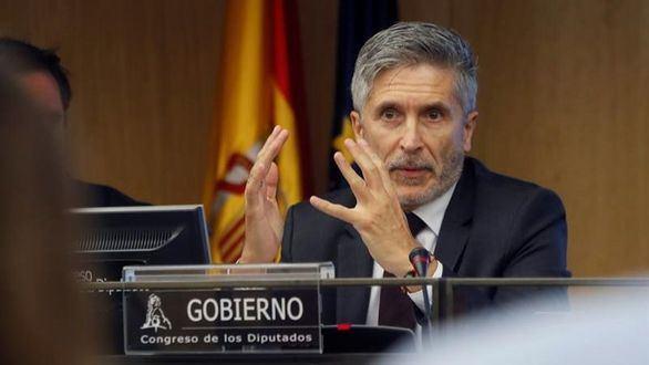 El PP pide la dimisión de Marlaska por irse de cena mientras ardía Cataluña
