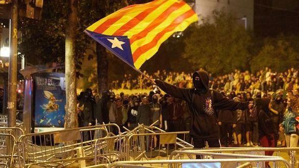Prisión sin fianza para ocho detenidos por los disturbios de Cataluña