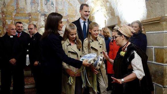 La princesa Leonor, los reyes y la infanta Sofía visitan Asiegu, el pueblo ejemplar de 2019