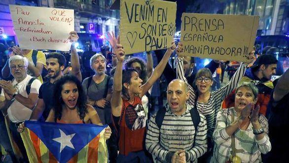 ¿Qué es 'En peu de pau', el grupo que ha frenado la violencia en Cataluña?