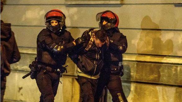 Radicales vascos forman algaradas para impedir un mitin de Vox en Bilbao
